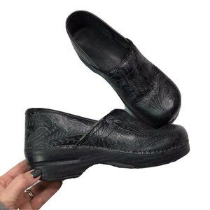 Dansko Clogs Embossed Paisley Size 41 Black